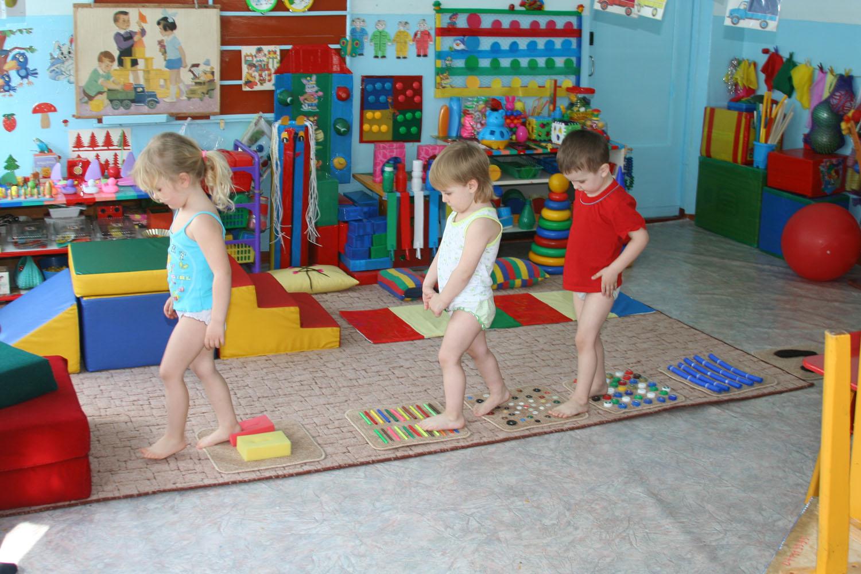 Дорожка здоровья в группе в детском саду своими руками фото